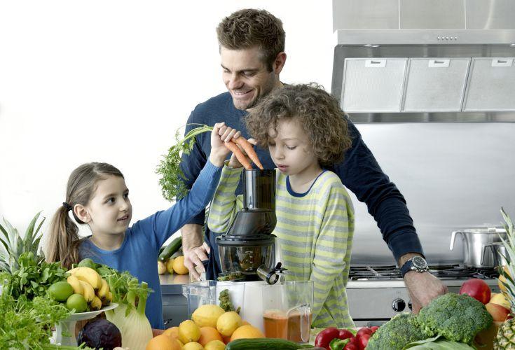 Sådan sniger du grøntsagerne i dine børn